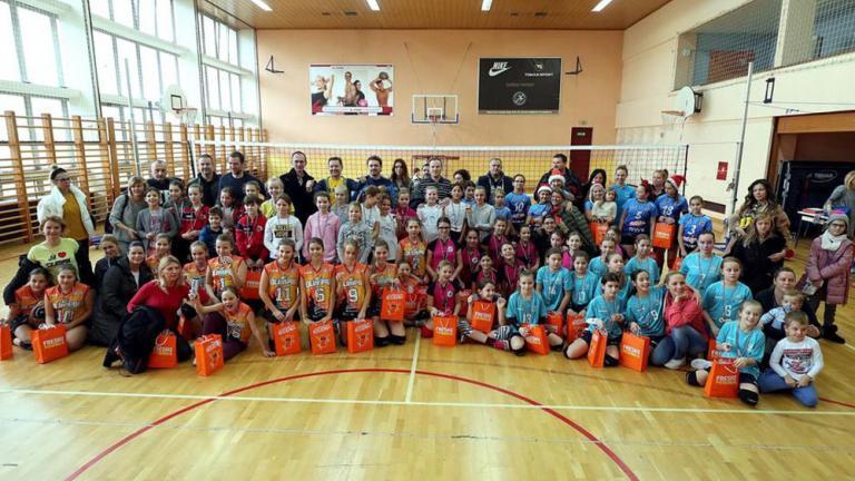 Najmlađe odbojkašice HAOK Mladosti osvojile 1. Advetski turnir na KIF-u